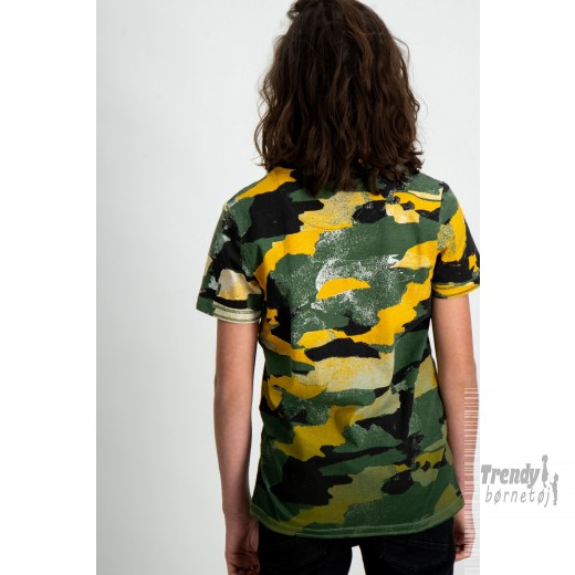Garcia t-shirt i army look-33